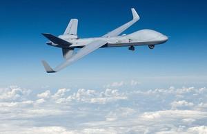 英國國防部15日表示,已簽署了價值6500萬英鎊(約台幣24億元)的合約,製造英國首批3架RG Mk1「守護者」(Protector)無人機。(圖翻攝自英國國防部)
