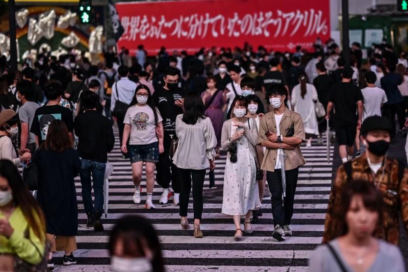 日本東京都今日新增188人確診武漢肺炎,睽違4天單日增幅降到200以下。(法新社)