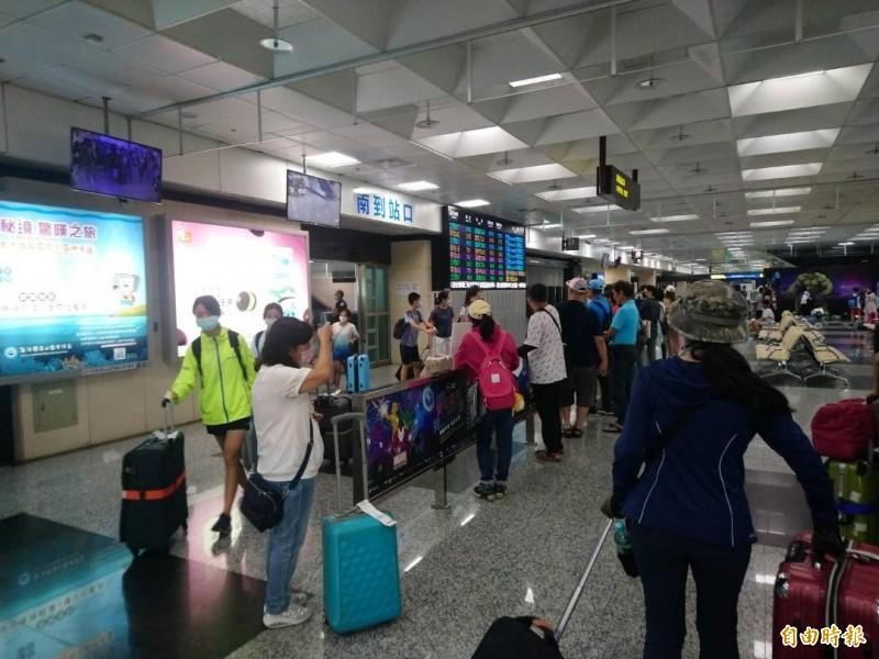 澎湖機場未雨綢繆,進行入出境旅客分流。(記者劉禹慶攝)