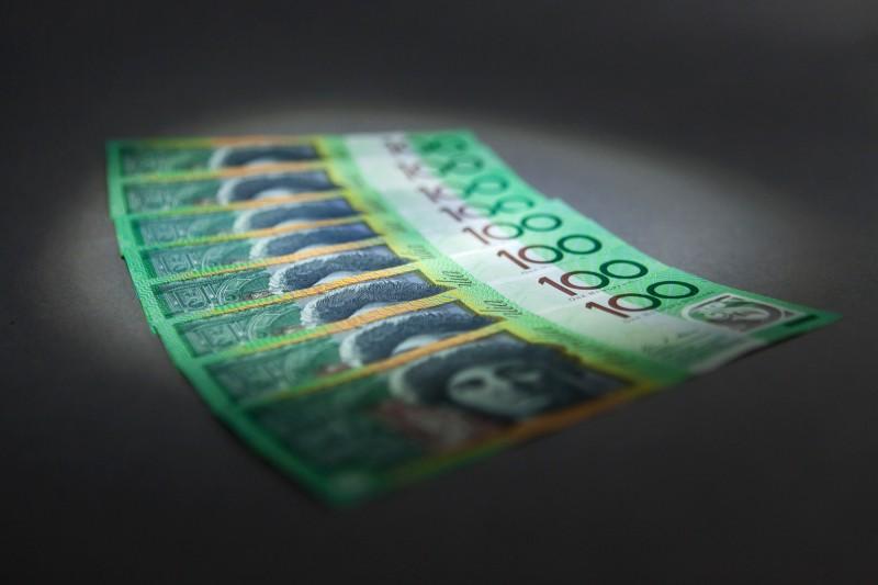 澳洲1名蝸居族中樂透頭獎,開心地說:「可以買房子了。」(彭博檔案照)