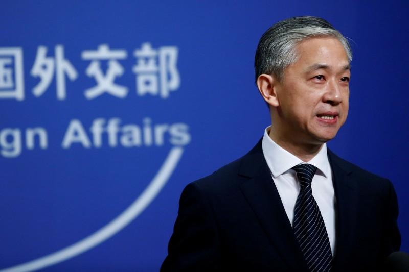 中國外交部發言人汪文斌(見圖)在例行記者會上表示,英國應放棄在香港延續殖民影響的幻想。(路透)