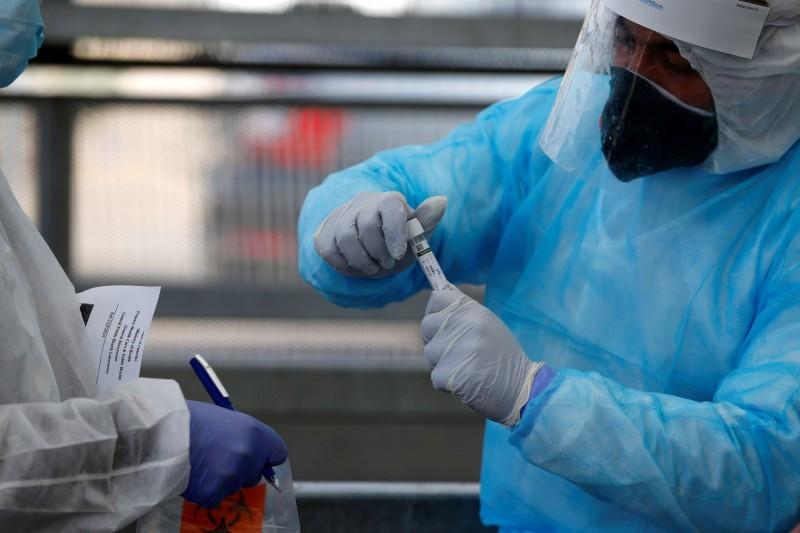 網傳「以色列領先全世界」,稱以色列完成武漢肺炎「解毒劑」研發,並且進入量產商業化階段,「台灣事實查核中心」今天證實這是「錯誤訊息」。(路透)