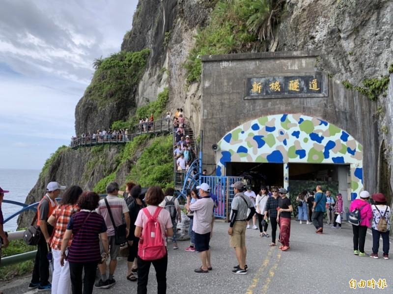 花蓮第3季、現階段旅遊熱潮高,各景點每天都是觀光人潮。(記者王峻祺攝)