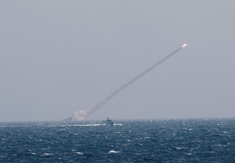 1日漢光預演時,雄三飛彈發生失控墜海狀況。(資料照,國防部提供)