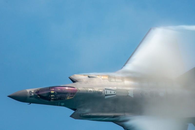 美國決定向洛克希德馬丁購買14架F-35A戰機,其中包含了土耳其8架F-35A戰機的改裝合約,代表土耳其正式出局,圖為F-35A戰機。(路透)