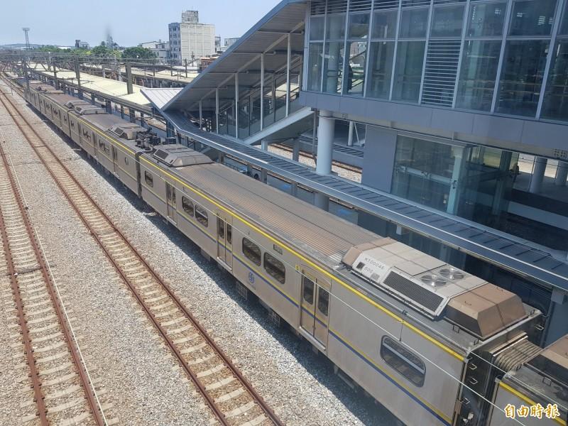 民眾批苗栗站沒冷氣熱到像「非洲車站」 台鐵︰綠建築裝設效益低 - 生活