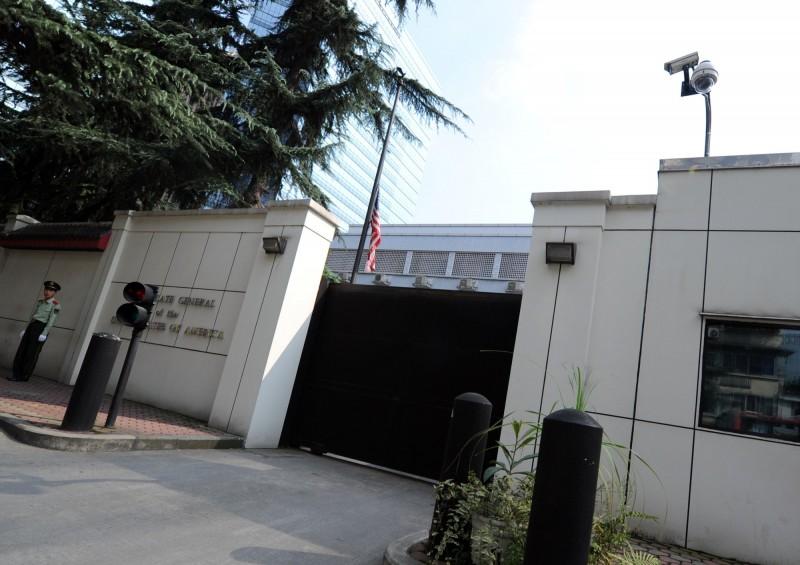 美國政府下令中國駐休士頓總領事館72小時內關閉風波延燒。《南華早報》今援引知情人士說法,表示美國駐成都總領事館將成中國報復反擊關閉的主要目標。(法新社)