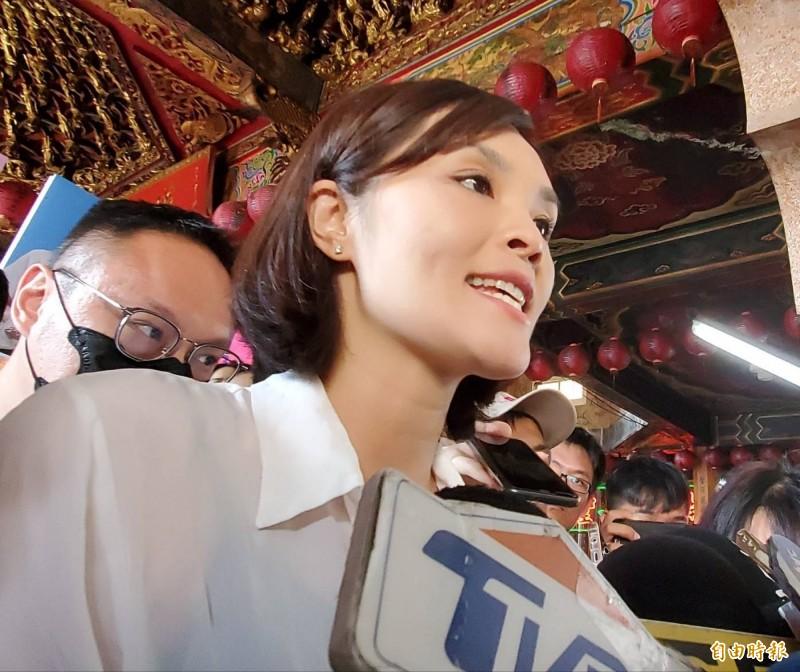 高雄市長補選候選人李眉蓁,被週刊爆料碩士論文有96%內容涉抄襲。李眉蓁22日召開記者會,對造成校方困擾道歉,也批這是「選舉操作」。(資料照)