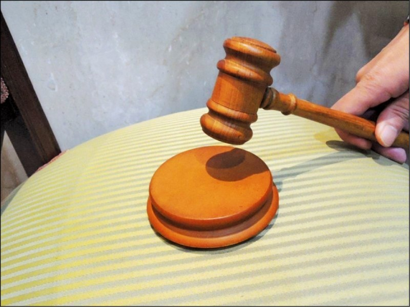 律師表示,詐欺罪成立要件除了要意圖為自己或第三人不法所有,還要施以詐術,並因此讓被害人陷於錯誤而交付財物,上述要件均有才成立。(示意圖)