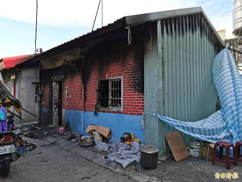 關廟四維街民宅遭人縱火,造成4死、2傷。(記者吳俊鋒攝)
