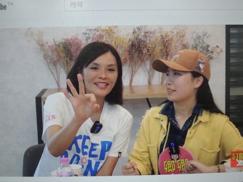 李眉蓁今接受直播主專訪,強調自己是最可以接受年輕人建議的市長候選人。(記者王榮祥翻攝)