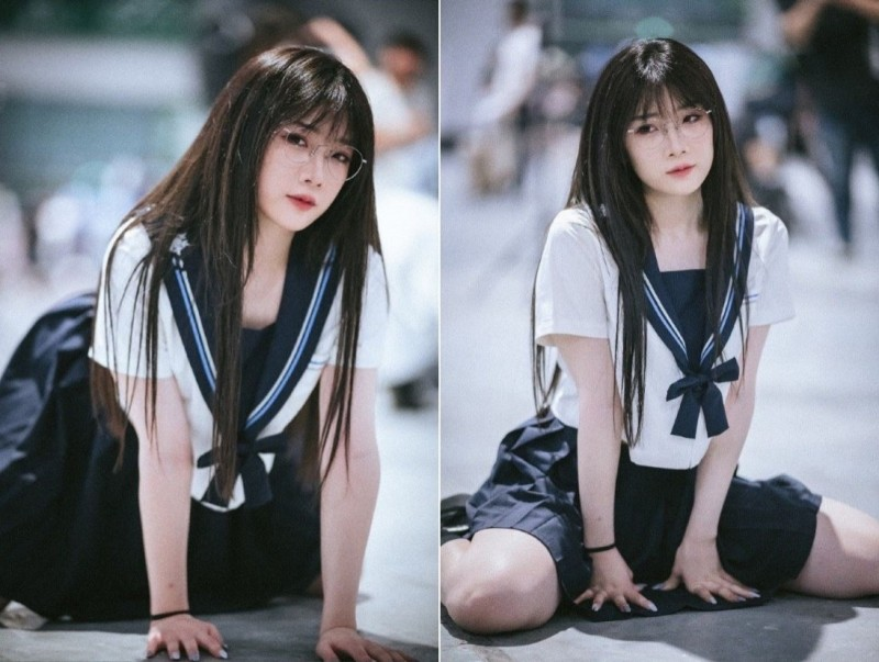上海漫展上,一名身穿女高中生制服的參加者被指拍攝動作不合適。(圖擷自微博)