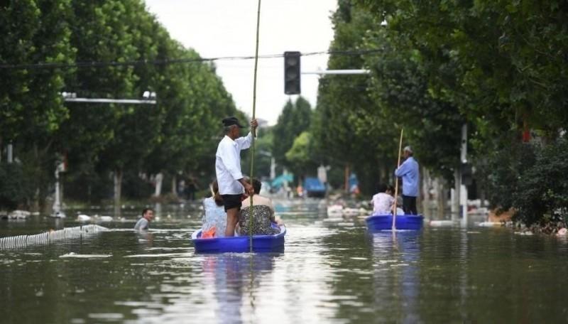 安徽巢湖附近的3000年古鎮柘皋鎮被淹。(翻攝自微博)