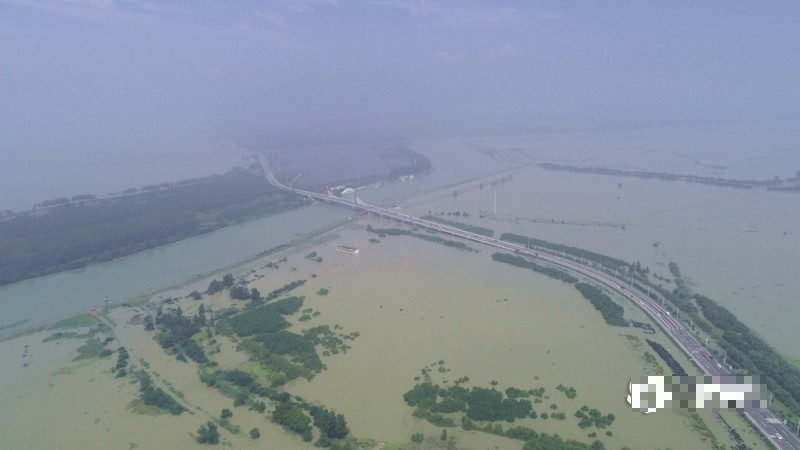洪水淹沒安徽巢湖。(圖擷取自網路)