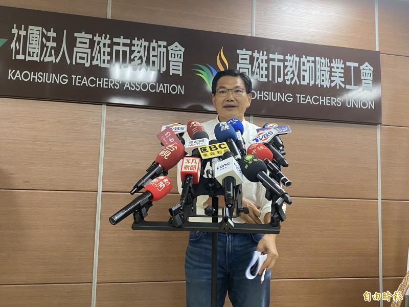 吳益政說,自己民調緩慢往上走,最近做到7%。(記者黃旭磊攝)