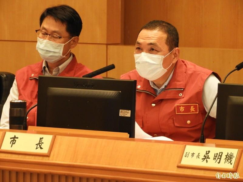 新北市長侯友宜表示,國際疫情再次升溫,民眾須有憂患意識,大型活動將視疫情發展,必要時停辦。(記者賴筱桐攝)