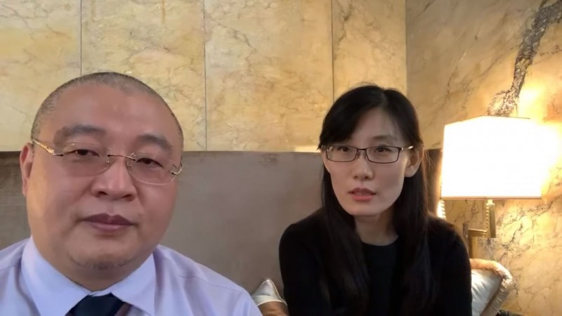 出逃美國的中國病毒學家閻麗夢(右)表示,她先前已明確分析出病毒來自中共的軍方實驗室。(擷取自YouTube頻道「路德社」)