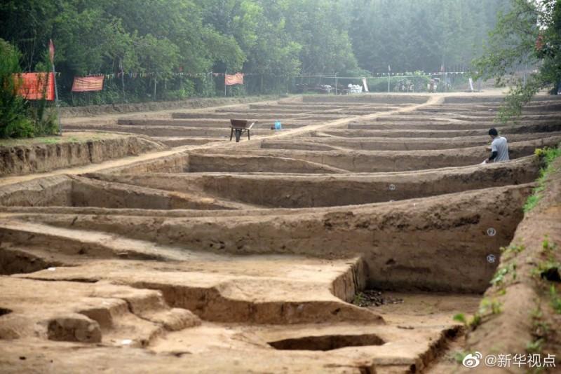 中國考古團隊在山東省濟南發現一處戰國時期古城遺址。(圖擷取自微博)
