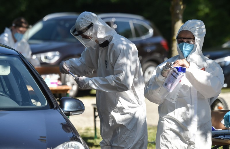 德國疾病防控機構「羅伯特·科赫研究所」所長維勒(Lothar Wieler)強調,目前德國正處在一場急速發展的大流行瘟疫之中。(法新社)