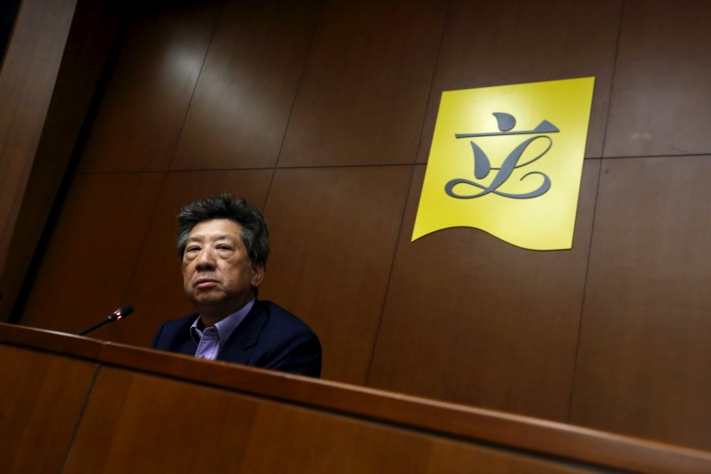 香港政府以武漢肺炎疫情嚴重為由,擬將原定於9月6日舉行的「立法會選舉」延期1年,行政會議成員湯家驊指出,針對議員的任期問題,需提請全國人大常委會處理。(路透)