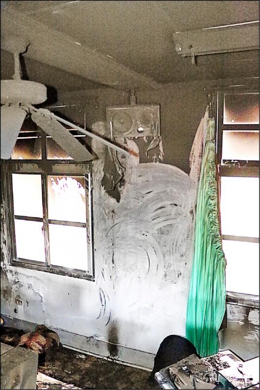花蓮縣境內日前發生一起電風扇起火案件,消防局呼籲民眾檢查屋內老舊電扇。(花蓮縣消防局提供)