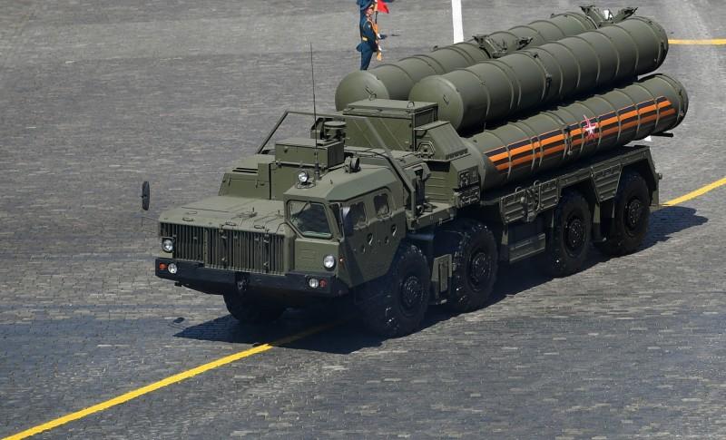 俄國與土耳其目前正在研擬出口第2套S-400防空飛彈系統的可能性,圖為俄國S-400防空飛彈系統。(歐新社)