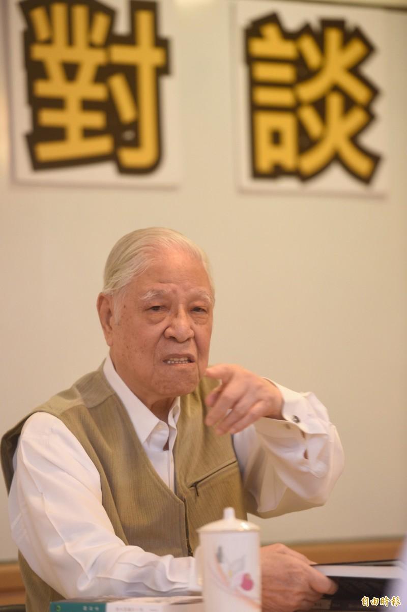 桃園市長鄭文燦在臉書PO文悼念,強調阿輝伯將會永遠活在台灣人民的心中,也會紀錄在台灣不朽的史頁上。(資料照)