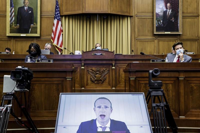 臉書執行長札克伯格(Mark Zuckerberg)29日以視訊方式參與美國聯邦眾議院的反壟斷聽證會。(美聯社)
