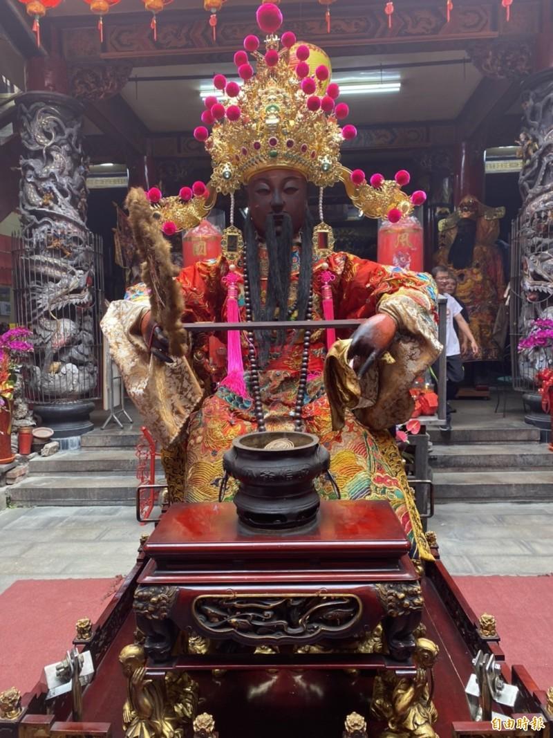 睽違24年的彰邑城隍廟出巡遶境活動今晚由聯合暗訪揭開序幕。(記者張聰秋攝)
