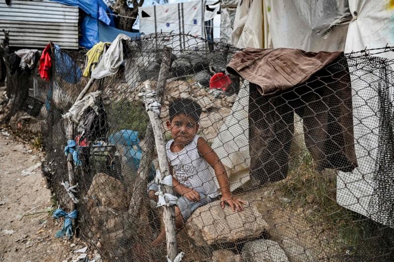武漢肺炎》希臘迫無國界醫生關隔離所 難民健康告急