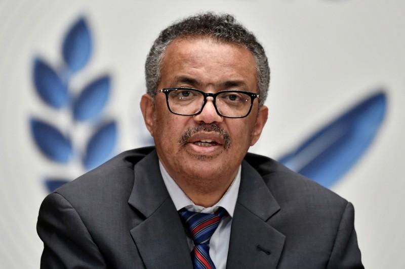 世界衛生組織(WHO)秘書長譚德塞呼籲,各地民眾應該學習與共存。(路透)