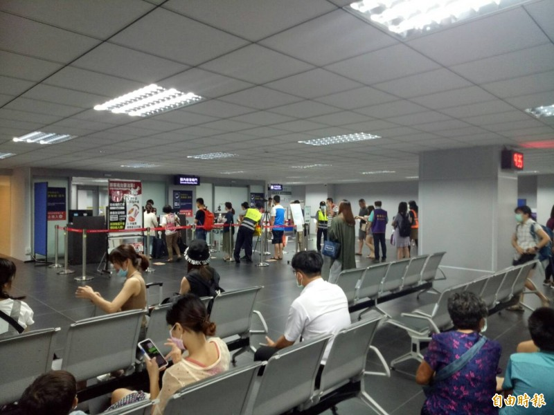 台灣離島遊客爆棚 台中澎湖一天飛20航班
