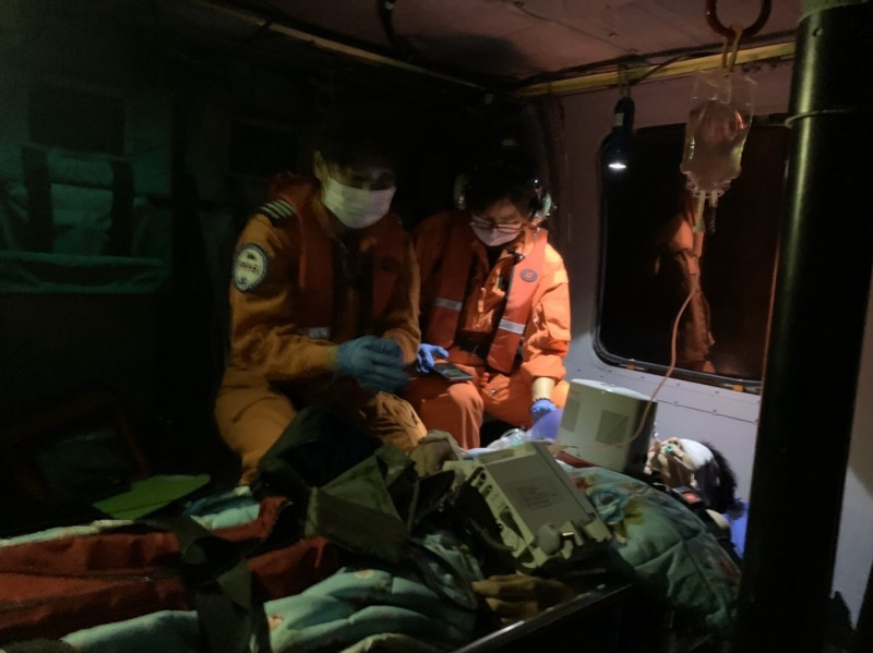 綠島打工換宿男落海…救回呼吸心跳 黑鷹馳援送醫