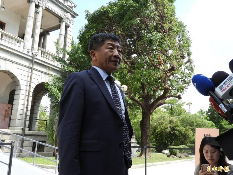 中央流行疫情指揮中心指揮官陳時中今日在台北賓館受訪表示,該案有可能是境外移入,社區感染可能性非常小,不會對外公布足跡。(記者陳鈺馥攝)