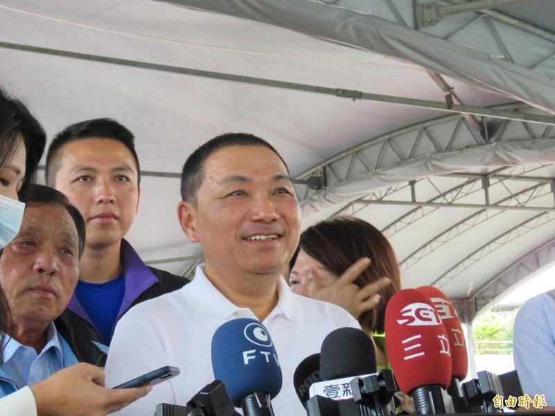 新北市長侯友宜表示,希望李眉蓁勇敢往前走,打一場美好的選戰。(記者陳心瑜攝)