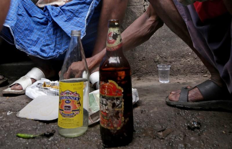 印度近來發生的假酒案至少造成86人喪命。印度酒類示意圖。(歐新社) <h4>☆飲酒過量  有害健康  禁止酒駕☆</h4>