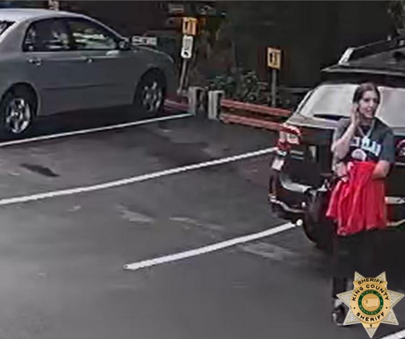 美國18歲少女福達(Gia Fuda)於西雅圖東部深山失蹤,8天後順利獲救被稱為是奇蹟,但她無法說明自己失蹤的日子裡到底發生了什麼事。圖為福達失蹤前被拍到的身影。(圖擷自King County Sheriff's Office臉書)