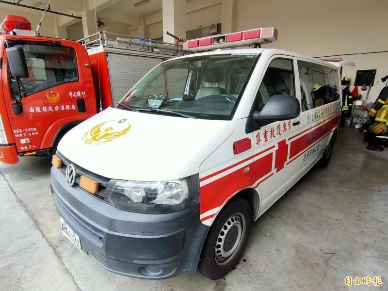 埔里中心碑消防分隊僅有1部救護車,是提供給真正緊急需要就醫的民眾使用。(記者佟振國攝)
