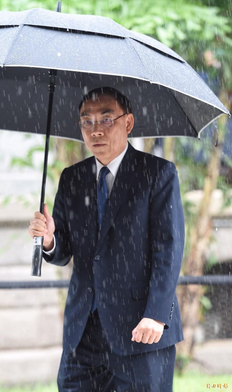 對於朝野立委收賄一事,法務部長蔡清祥今日在台北賓館受訪表示,還在處理中。(記者劉信德攝)