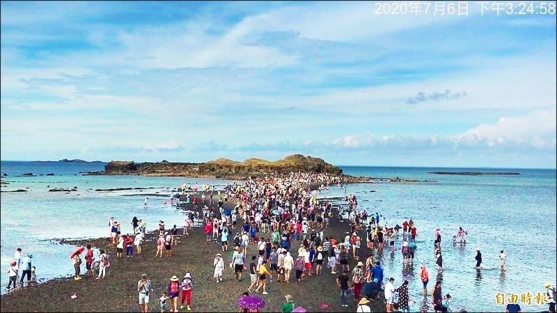 政府推國旅補助卻有澎湖旅宿業者藉機哄抬價格,林佳龍表示,再犯就會取消補助資格。(資料照)