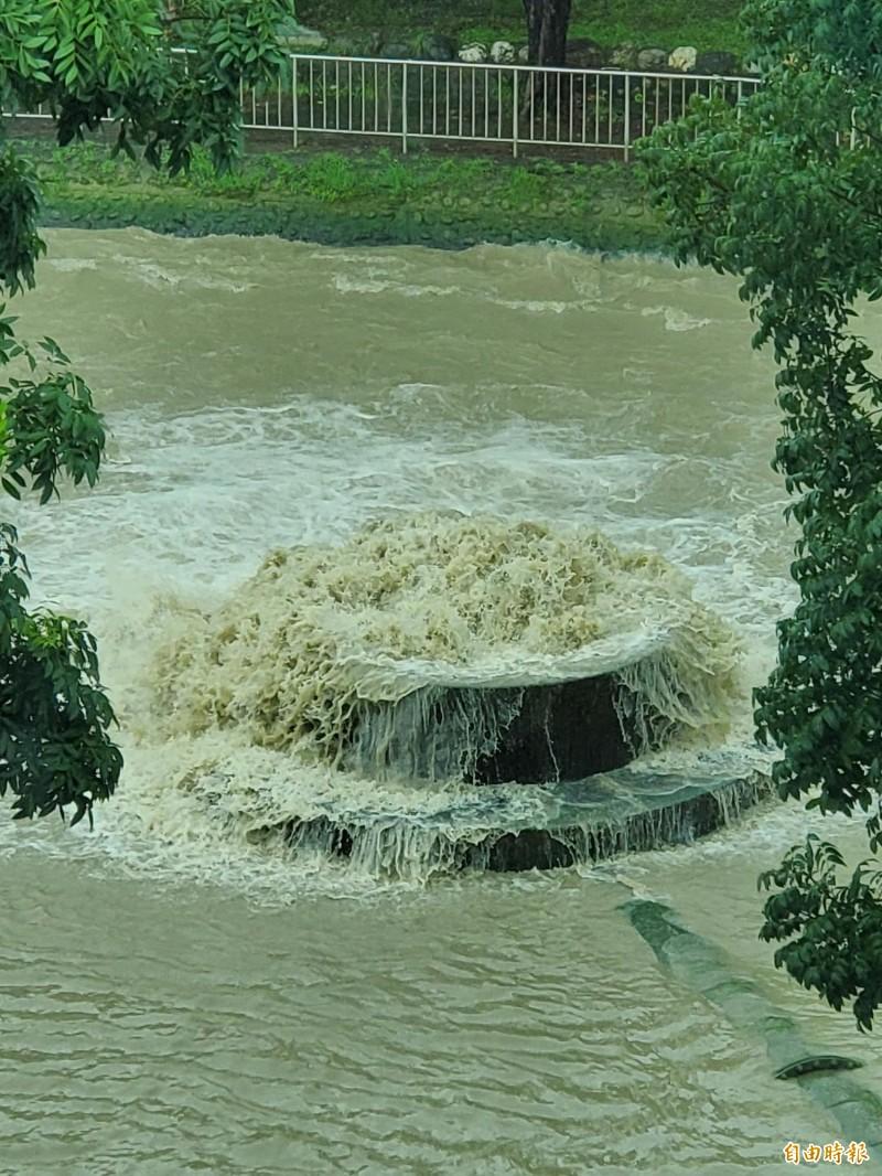 高市林園明早停水,影響1.3萬戶用水,圖為大高雄原水。(記者陳文嬋攝)