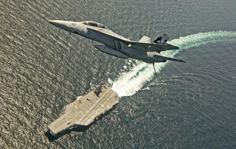 「福特號」目前完成「空中攔截戰管」演訓。(歐新社)