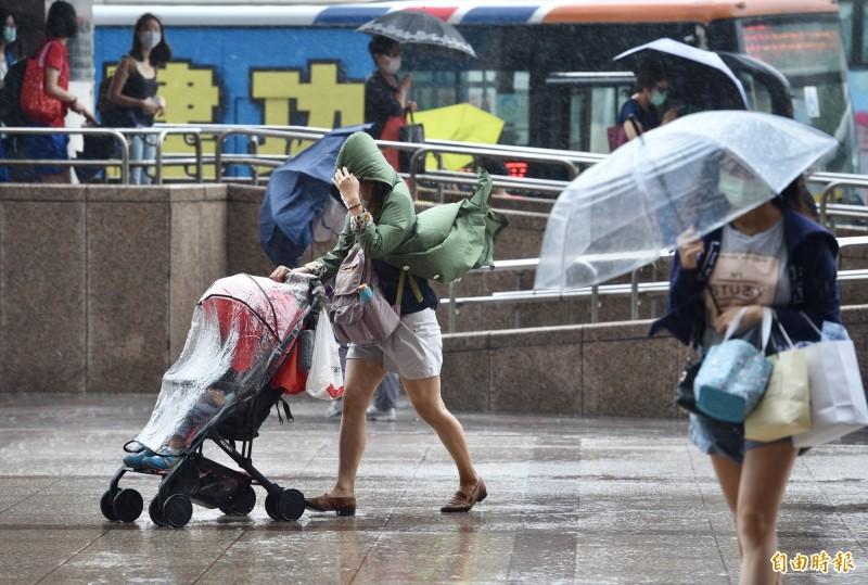 哈格比颱風昨日為北台灣帶來豪雨。(資料照)