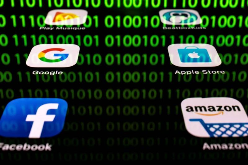 日本媒體指出,至少約有7600人的臉書個資被竊取,日本資安專家認為被竊取的帳號有可能會像2016年美國總統選舉一樣被濫用於誘導輿論。(法新社)