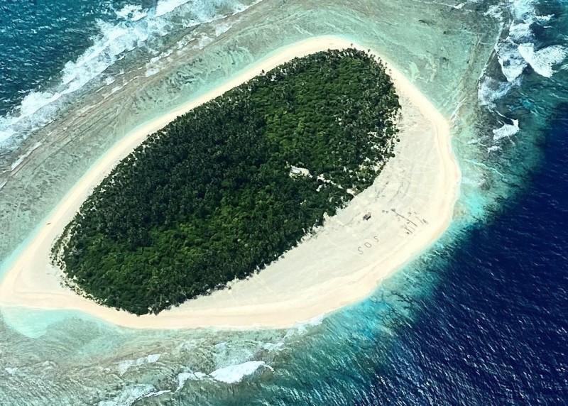澳洲國防軍表示,他們2日在無人居住的小島皮凱洛特島發現SOS求救訊號。(歐新社)
