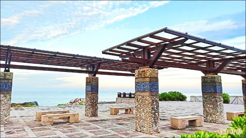 「花東地區永續發展基金」從2011年通過後至今已挹注花東地區近160億元,圖為花蓮景點七星潭海岸。 (記者王錦義攝)