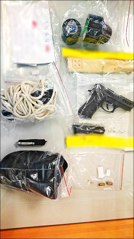 警方查扣的犯案工具。(記者洪定宏翻攝)
