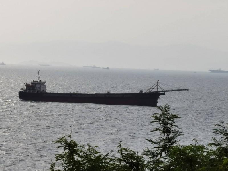 中國抽砂船近年傾巢而出侵入我國海域盜砂,愈來愈猖獗。(民進黨連江縣黨部主委李問提供)