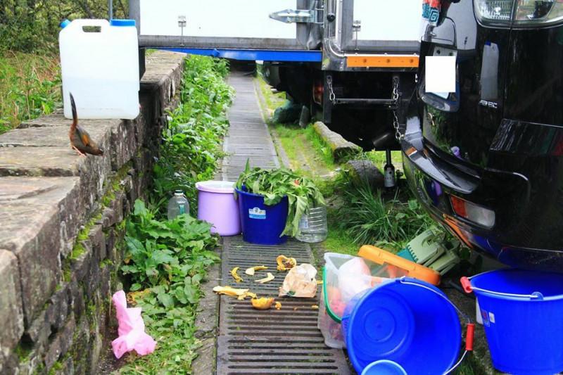 塔塔加炊煮區山溝成廚餘桶!玉管處清出6大袋垃圾將開罰