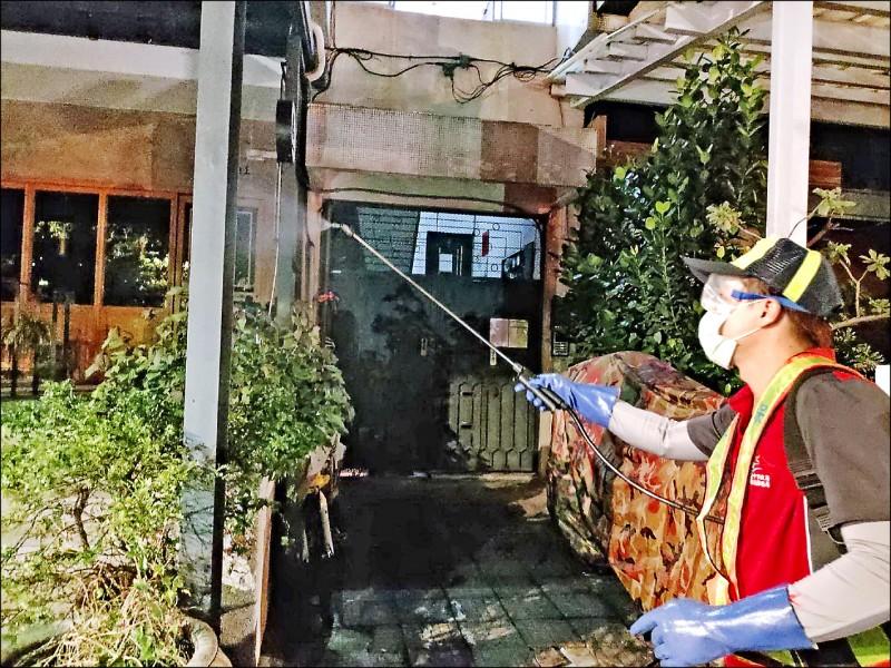 染疫比利時工程師曾到台中市酒吧消費,市府日前連夜在酒吧周邊街道消毒。(資料照,台中市政府提供)